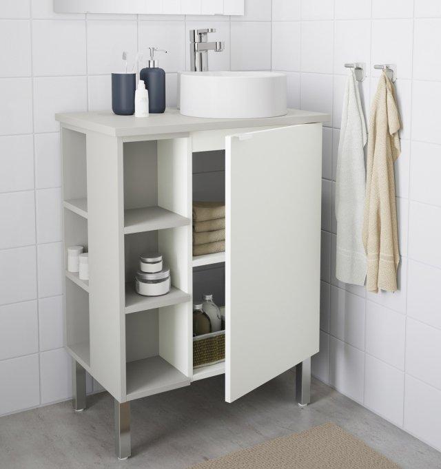 18 soluzioni salvaspazio per il bagno per risparmiare for Mensola con cassetti ikea