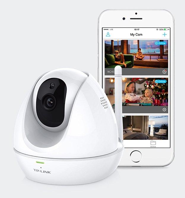 La nuova telecamera cloud day/night che ruota, si inclina e vede di notte. Pensata per il moderno stile di vita frenetico, è facilmente accessibile tramite l'applicazione tpCamera per far diventare la sorveglianza un'esperienza semplice e immediata per tutti, tramite la tecnologia wireless. I processi di installazione e configurazione consistono infatti in tre semplici passaggi: Collegamento - Registrazione - Visione. Nel giro di pochi minuti,NC450 è pronta per essere utilizzata tramite il portale webtplinkcloud.como l'intuitiva applicazione tpCamera. La visione notturna è in alta definizione, mentre grazie ad un microfono e uno speaker, si potrà sentire tutto ciò che avviene e comunicare tramite l'altoparlante da qualsiasi luogo ci si trovi. L'utente inoltre, verrà avvisato in ogni momento da un alert tramite mail o FTP su cosa sta succedendo in casa o in azienda. Prezzo: 99,90 euro. www.tp-link.it