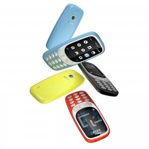 """Nokia 3310 3G combina l'appeal di conversazione e testo del modello 3310 con la connessione dati 3G, rendendolo godibile in ancora più paesi. La back cover è stata migliorata per offrire un'esperienza personalizzabile: è infatti possibile modificare i colori e le posizioni delle icone per assicurare che tutte le funzioni preferite siano dove si desiderano. È il regalo perfetto per un """"detox digital"""" durante le Feste ed è completo di Snake, per intrattenere tutta la famiglia.Prezzo: 69,99 euro. www.hmdglobal.com"""