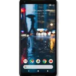 Google Pixel 2XL Pixel 2 XL, il nuovo smartphone di Google, è dotato di una fotocamera che regala una incredibile esperienza d'uso. Grazie alla sua interazione con l'intelligenza artificiale di Google – Google Assistant – e alla funzione Google Lens permette di scoprire il mondo tramite la sua fotocamera. Ad esempio se si scatta una foto ad un monumento mentre si è in viaggio, Pixel 2 XL lo riconosce e ci racconta la sua storia o se si scatta una foto ad un fiore in un giardino, lo smartphone sarà in grado di dirci come si chiama e come va coltivato. Prezzo: 989 euro. www.store.google.com/it/product/pixel_2_xl