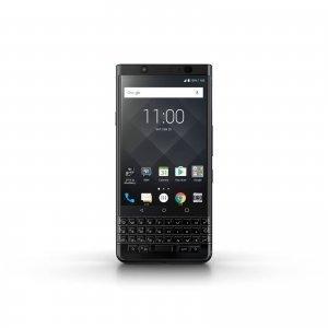 BlackBerry KEYone La versione Black Edition dello smartphone KEYone di TCL Communications presenta finiture color nero opaco al livello della cornice di alluminio ed è dotata di 4 GB di RAM e di 64 GB di memoria interna, con la possibilità di estendere quest'ultima fino a 2 TB. La batteria offre fino a 26 ore di utilizzo e permette una ricarica fino al 50% in circa 36 minuti.Grazie a DTEK di BlackBerry, la sicurezza e la protezione del sistema operativo, nonché le applicazioni, sono costantemente monitorate. Se i dati personali e la privacy dell'utilizzatore vengono minacciati, DTEK™ informa immediatamente l'utilizzatore e indica come proteggersi. La camera posteriore da 12 MP consente di scattare foto luminose e ben contrastate. BlackBerry KEYone Black Edition funziona con Android, consentendo agli utilizzatori di accedere a più di un milione di applicazioni sul Google Play Store. Tastiera fisica, privacy e autonomia, fanno di questo smartphone un device originale, rapido e sicuro. Non solo una soluzione professionale ma un regalo per tutti e per tutte, versatile ed elegante. Prezzo: 649 euro. www.blackberrymobile.com