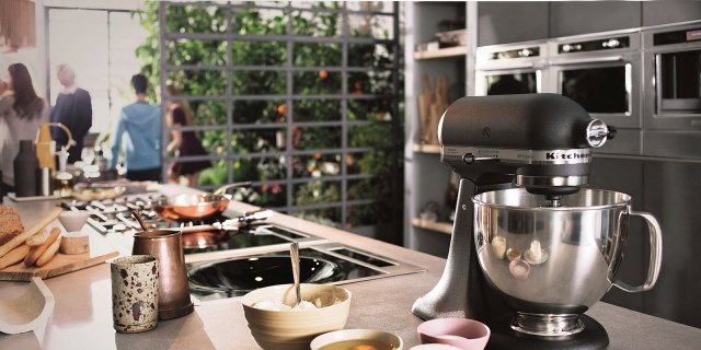 Planetaria: muscoli d'acciaio per impastare in cucina