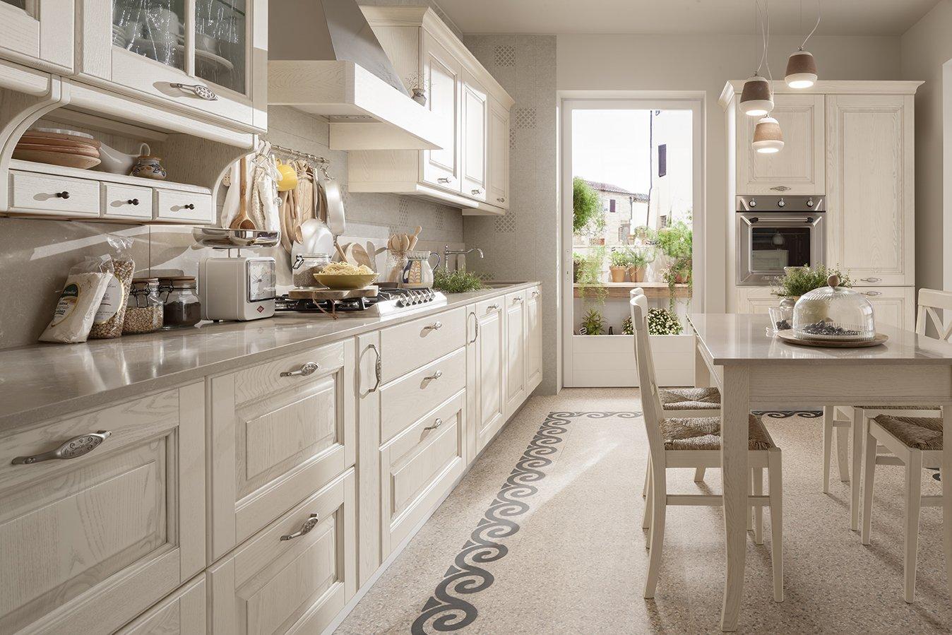 Veneta cucine tradizione memory cucine con top extra - Cucina bianca e noce ...