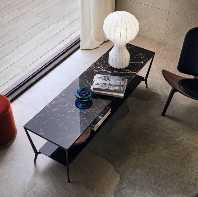 Rimadesio, tavolino Planet con struttura nickel nero, top di marmo Emperador e sottopiano di vetro laccato lucido moro.