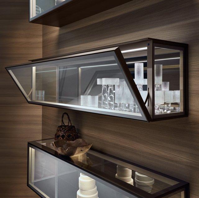 Rimadesio, Alambra, dettaglio della struttura bronzo con anta, fianchi, top di vetro riflettente chiaro e top interno di vetro laccato lucido bronzo.