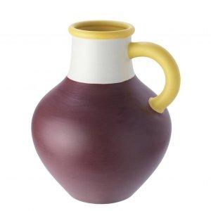 È a forma di anfora il vaso della collezione Ypperlig di Ikea è in gres dipinto a mano da un artigiano. Misura 30x24h cm. Prezzo 24,99 euro. www.ikea.it
