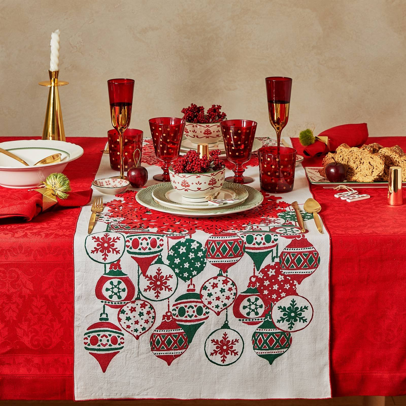 Tovaglia Di Natale Nel Classico Rosso O Persino Blu Come Il Cielo