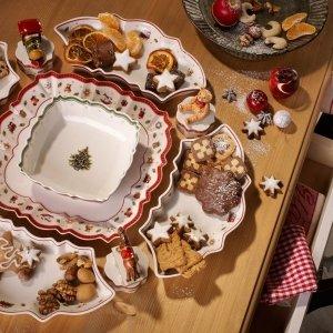 Set centrotavola della collezione classica per il Natale Toys Delight di Villeroy & Boch.