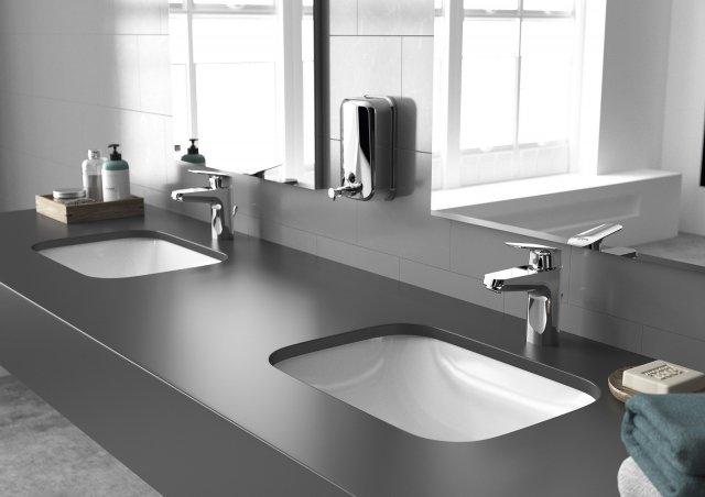 Ha una portata massima di 5 l/min. il miscelatore monocomando per lavabo della linea Base di Ceramica Dolomite. Il rubinetto è dotato di una cartuccia ceramica molto resistente. Prezzo 76 euro. www.ceramicadolomite.it