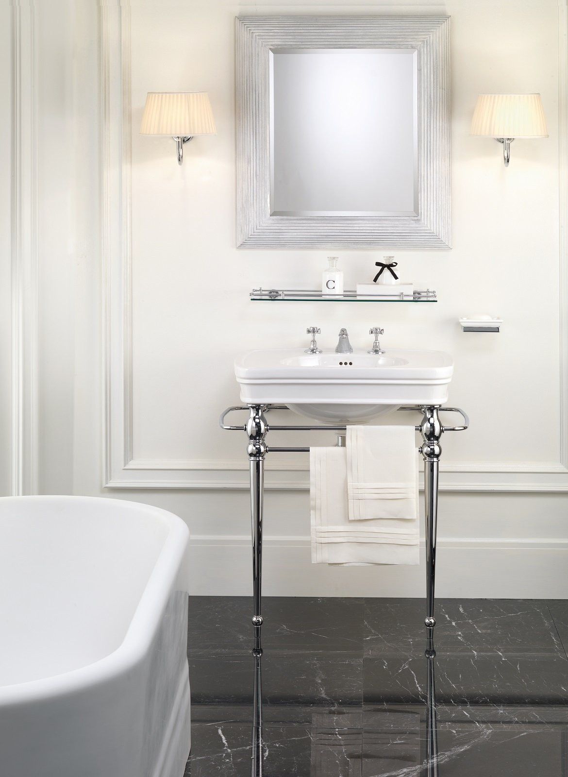 Consolle Bagno In Ceramica.I Lavabi E I Sanitari Per Il Bagno In Stile Classico E Retro