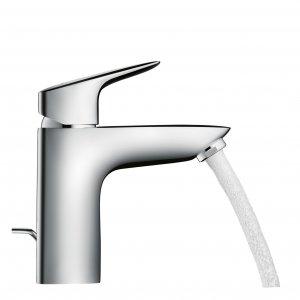 È disponibile in quattro altezze differenti il miscelatore monocomando per lavabo Logis di Hansgrohe con tecnologia EcoSmart che limita la portata a 5 l/m. Prezzo del rubinetto in versione base 102 euro. www.hansgrohe.it