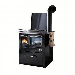 Nero in cucina dai mobili alla finestra black is rock for A cucina ra nonna