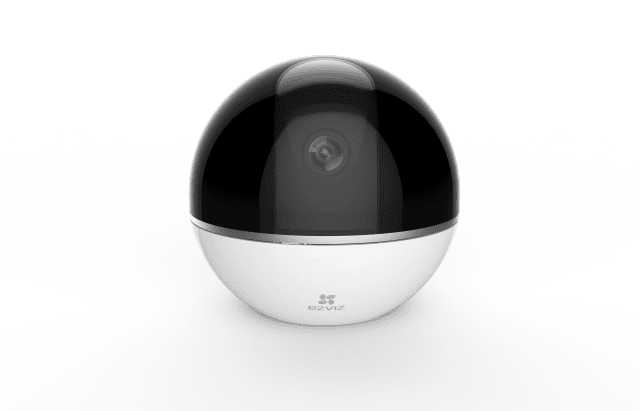 Piccola e compatta, la videocamera C6T di Ezviz è in grado di vigilare costantemente sulla casa sia di giorno che di notte, sia all'interno sia all'esterno. Dal design minimale ed elegante, ha una base rotante con un angolo di rotazione fino a 340° in orizzontale e 90° in verticale, risoluzione foto e video full HD da 2 megapixel, audio bidirezionale. Prezzo: 109 euro.  www.ezviz.it