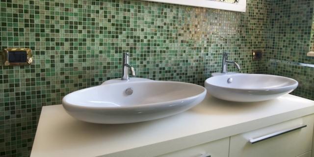 Bagno nuovo con poca spesa: rinnovare con un budget contenuto