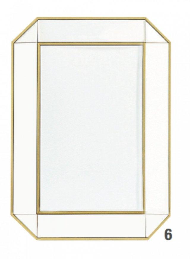 Lo specchio Gold Double Border Mirror di Zara Home misura L 50 x P 3,2 x H 70 cm. Prezzo 69,99 euro. www.zarahome.com/it