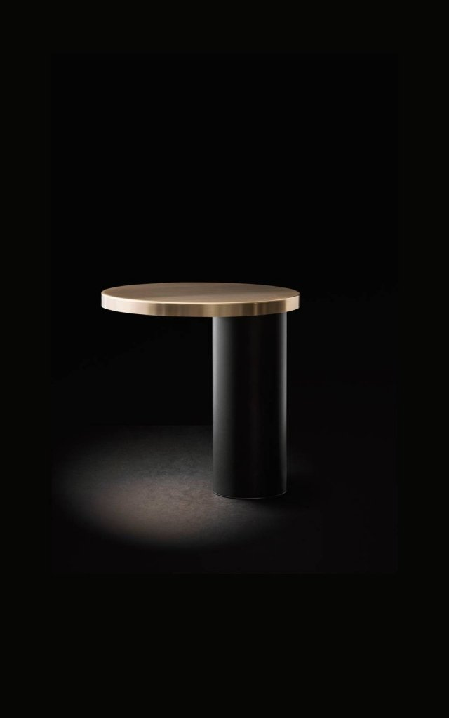 Oluce - Design Cylinda_Angeletti&Ruzza