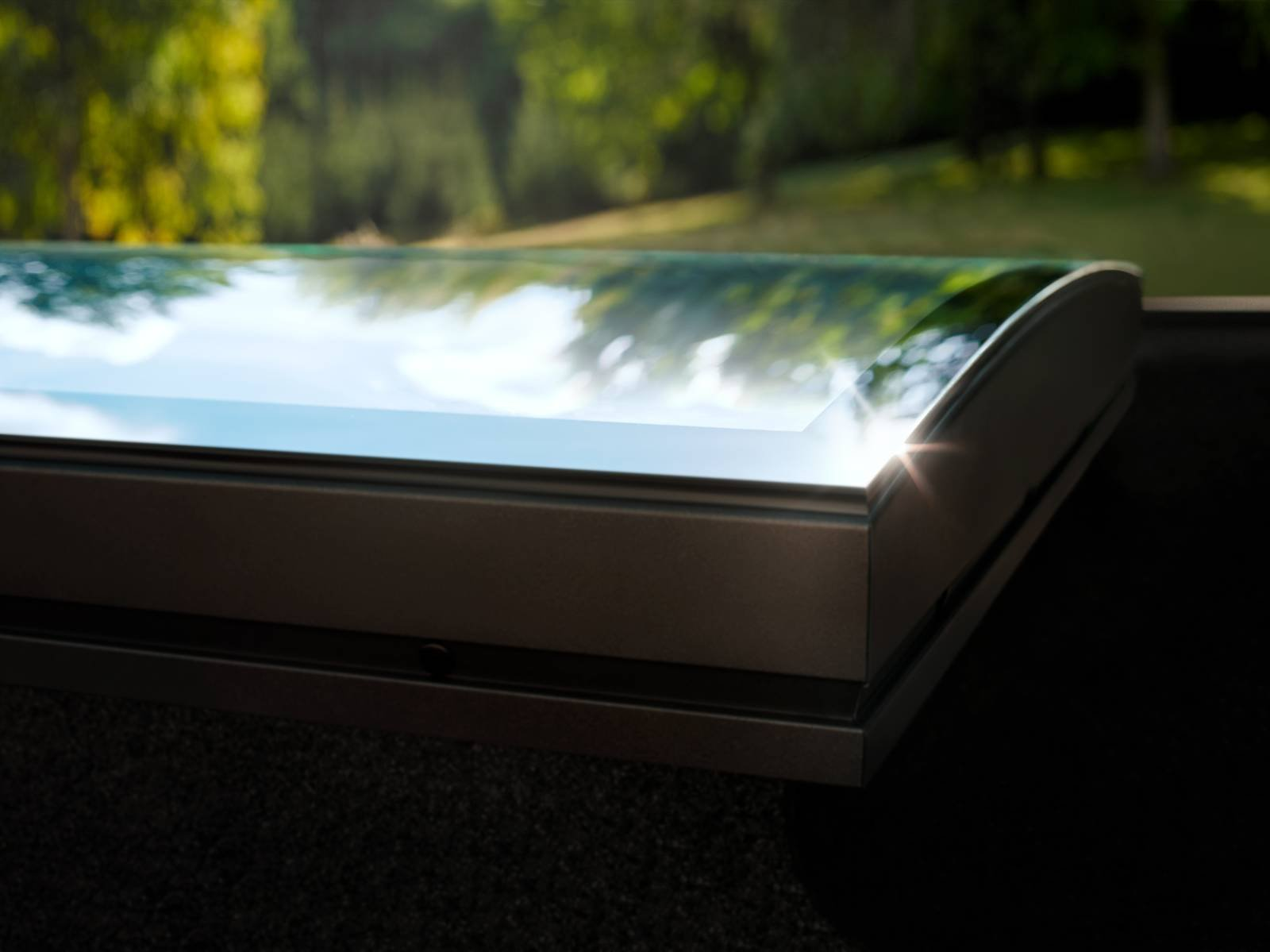 Finestra per tetti piani ad alta efficienza cose di casa for Piani di coperta ad alta elevazione