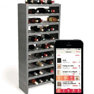 Caveasy One Una soluzione di archiviazione connessa e di gestione intelligente della propria collezione di vini attraverso app. È possibile scattare una foto attraverso l'app mobile e Caveasy One tiene traccia del vino sugli scaffali collegati e permette di accedere all'inventario in qualsiasi momento. Durante la ricerca della bottiglia si accende una luce per specificare la posizione esatta sullo scaffale, invece quando la bottiglia viene rimossa dallo scaffale, la bottiglia viene automaticamente eliminata dalla propria raccolta. Caveasy One, inoltre, tiene traccia e fa sapere quando una bottiglia è pronta per essere aperta, invia suggerimenti sulle bottiglie di vino presenti nella propria collezione che si abbinano perfettamente al pasto o al dessert in preparazione. Caveasy One monitora anche la temperatura e l'umidità dell'ambiente attraverso i sensori integrati per garantire che l'ambiente sia perfetto per lo stoccaggio del vino. Il sistema per 50 bottiglie (10 vassoi) avrà il prezzo di 531,87 dollari e sarà disponibile a partire da giugno 2018. www.caveasy.com