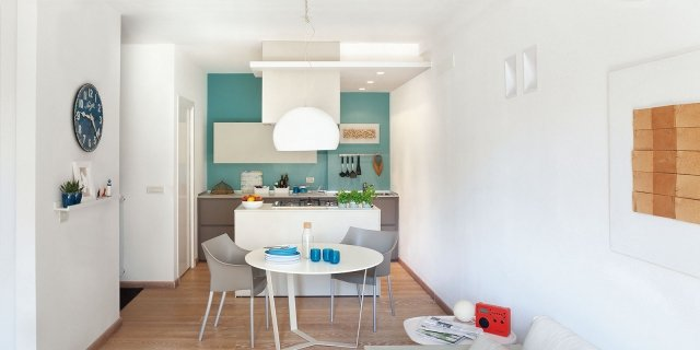 Cucine colorate come un quadro contemporaneo cose di casa - Mobili per studio professionale ...