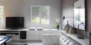 soggiorno bianco con serramenti K•LINE