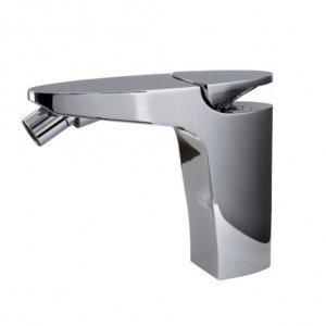 Il miscelatore monocomando cromato per bidet Eclipse di Fima (design Giuseppe Bavuso) ha un'innovativa leva integrata nel corpo. www.fimacf.com