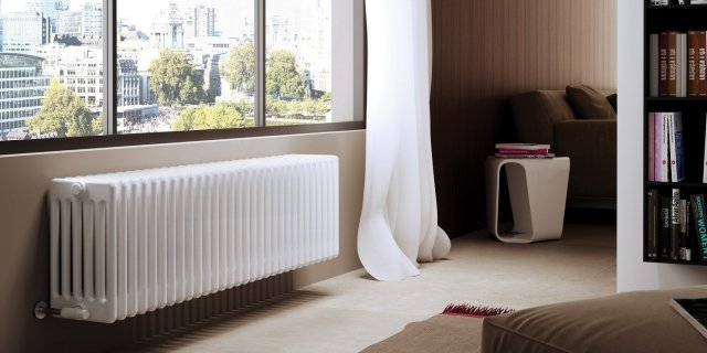 Calorifero sotto la finestra: estetica gradevole anche nella semplicità