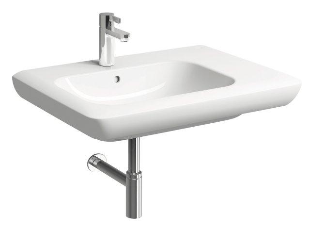 È in ceramica bianca il lavabo monoforo asimmetrico 70 destro della collezione Fast di Pozzi Ginori. Misura 70 x P 48 cm. Prezzo, Iva esclusa, 223 euro. www.pozzi-ginori.it