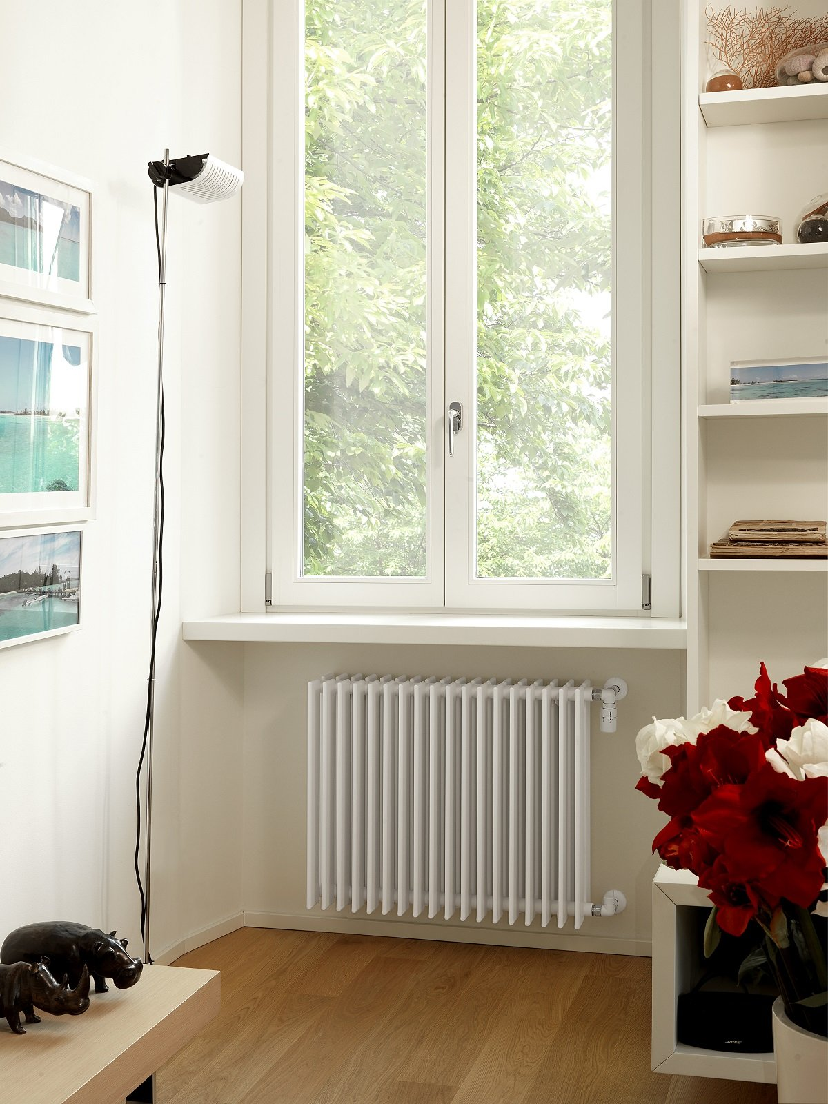 Radiatori In Alluminio O Acciaio i nuovi modelli sostituiscono i vecchi radiatori sottofinestra