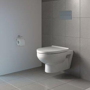 È senza brida il vaso sospeso Rimless della serie DuraStyle Basic di Duravit con scarico a 4,5 litri e sedile senza chiusura rallentata. Misura L 36,5 x P 54 cm. Prezzo 287 euro. www.duravit.it