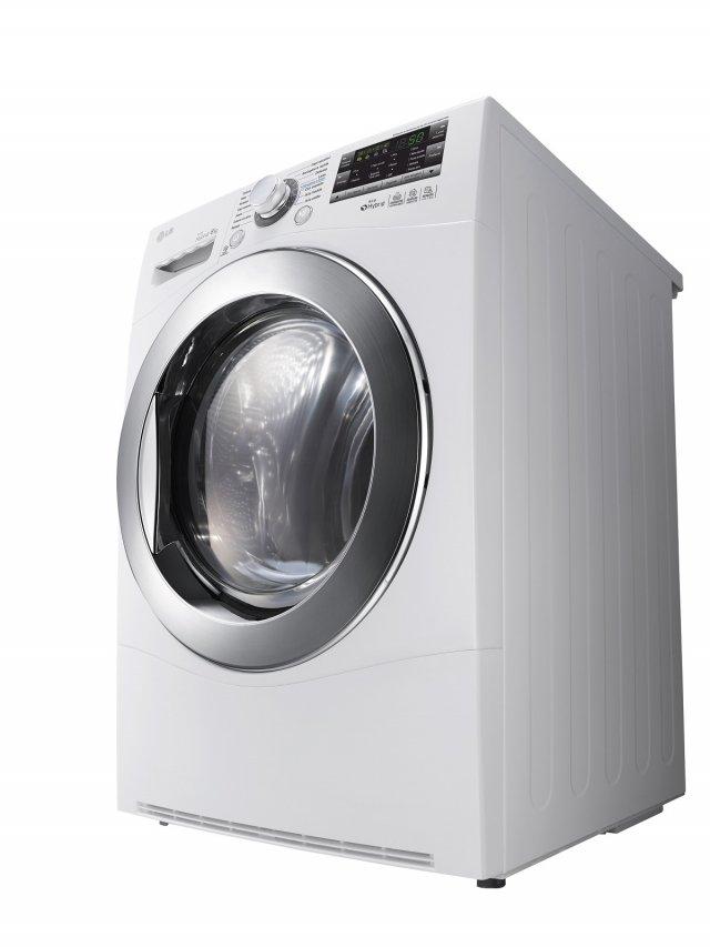 L'asciugatrice Eco Hybrid RC8082AV2Z di LG in classe di efficienza energetica A +++ - 10% e tecnologia Inverter ha una capacità di carico di 8 kg. È dotata dei programmi Cotone, Misti, Sintetici, Capi Voluminosi, Jeans, Cotone no stiro, Asciugatura Rapida, Speciale Sport, Delicati, Lana, Asciugatura con cestello, Asciugatura aria fredda e Asciugatura aria calda. Misura L 59 x P 60 x H 85 cm. Prezzo 1.299 euro. www.lg.com/it