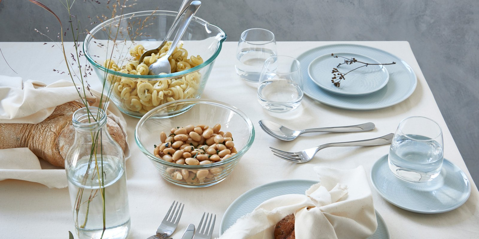 Bicchieri colorati o trasparenti per tutti i tipi di for Tavola per cucina