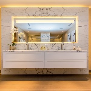 Rivestimento in marmo Bianco Statuario