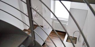 casa con scala elicoidale