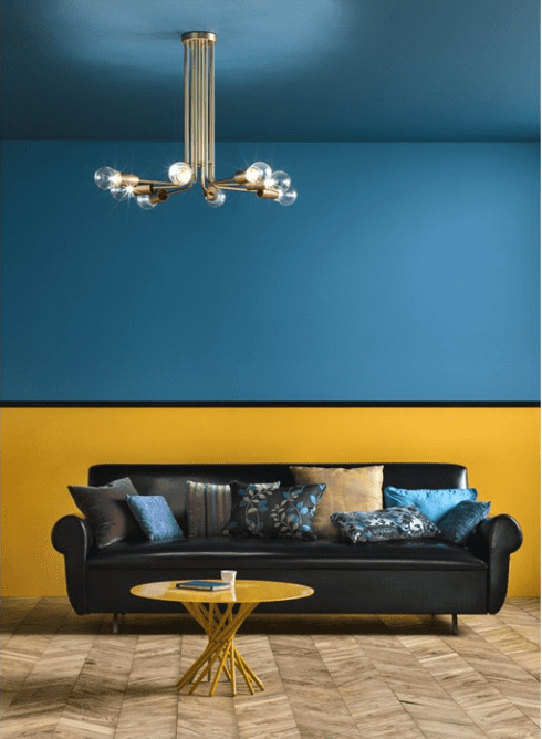 Una parete blu in casa scelta d 39 effetto anche da for Divano blu colore pareti