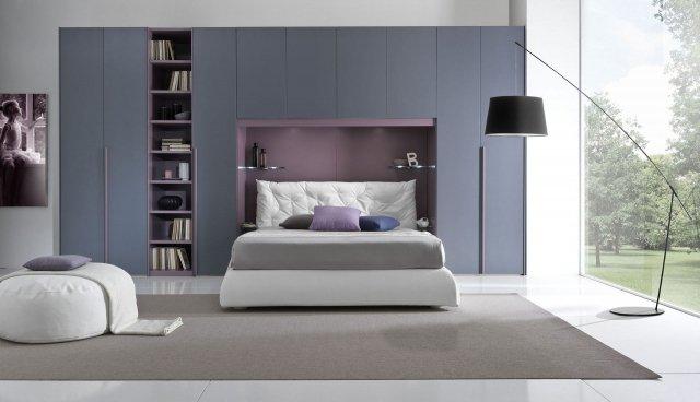 Armadio a ponte salvaspazio con il letto sotto cose di casa
