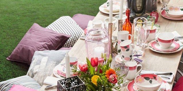 12 servizi di piatti per la tavola di primavera