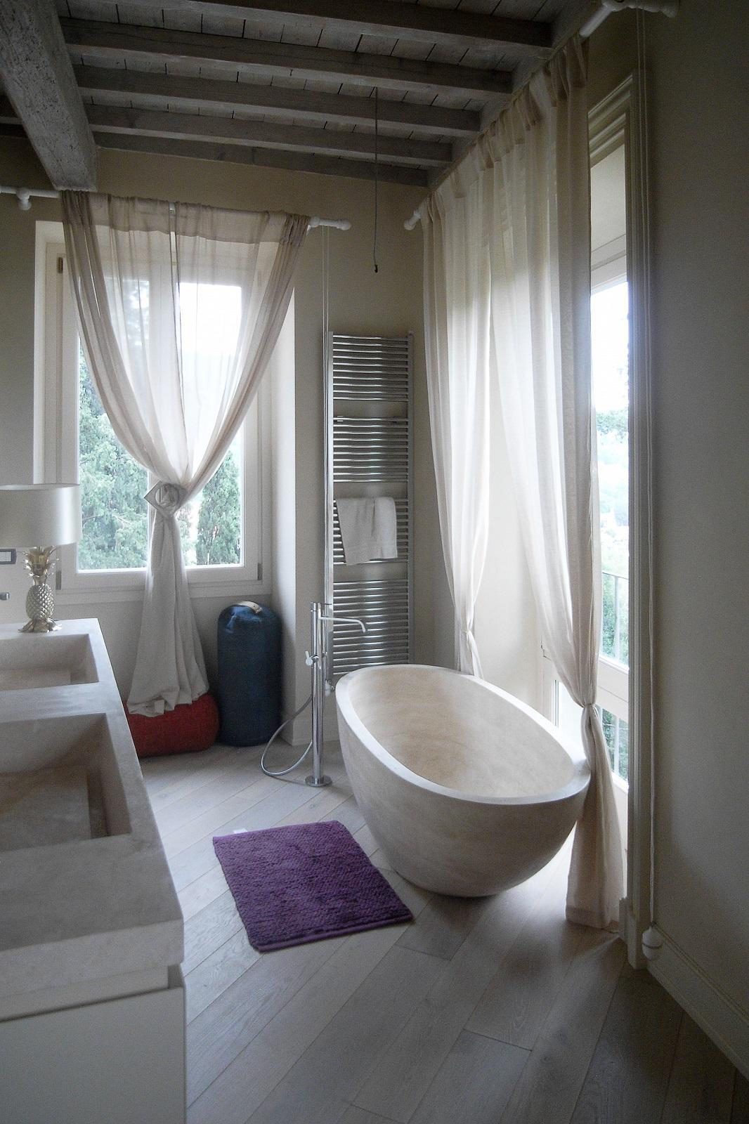 Le vasche da bagno non sono realizzate soltanto in acrilico - Vasche da bagno in pietra ...