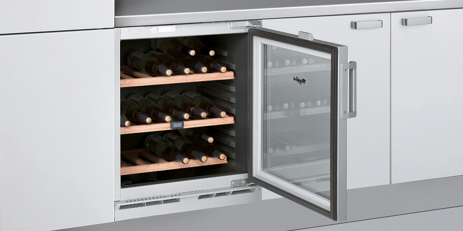 Cantinetta per il vino un 39 enoteca domestica in formato for Idee per arredare enoteca