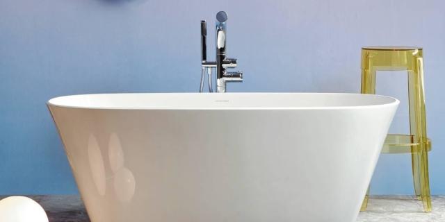 Rinnovare il bagno con il colore. Per un ambiente raffinato e chic