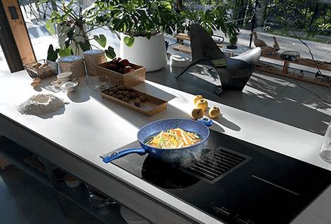 Elettrodomestici neri: eleganza e design in cucina