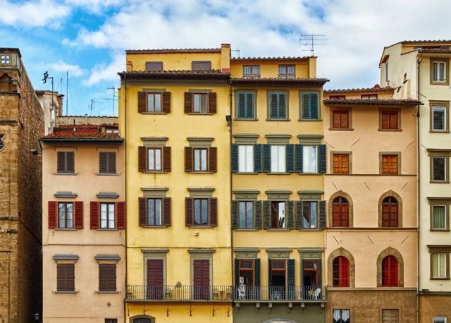 Instapro.it è una start up italiana dedicata ai servizi per la casa e mette in diretto contatto consumatori e professionisti qualificati per interventi di manutenzione, progetti di ristrutturazione fino alle opere di costruzione.