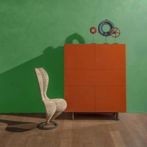 """Easy di Cappellini, design Studio Cappellini, è la madia per la zona living che è un pezzo """"classico"""", dal fascino intramontabile. É disponibile in oltre venti composizioni che accstano laccati lucidi e opachi. www.cappellini.it"""