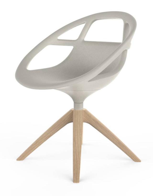 Lola di Casprini, design Marcello Ziliani, è la seduta con la morbida scocca realizzata in poliuretano grigio luce, disponibile in altre cinque varianti di colore; le gambe sono in legno nelle finitura faggio e rovere.  www.casprini.it