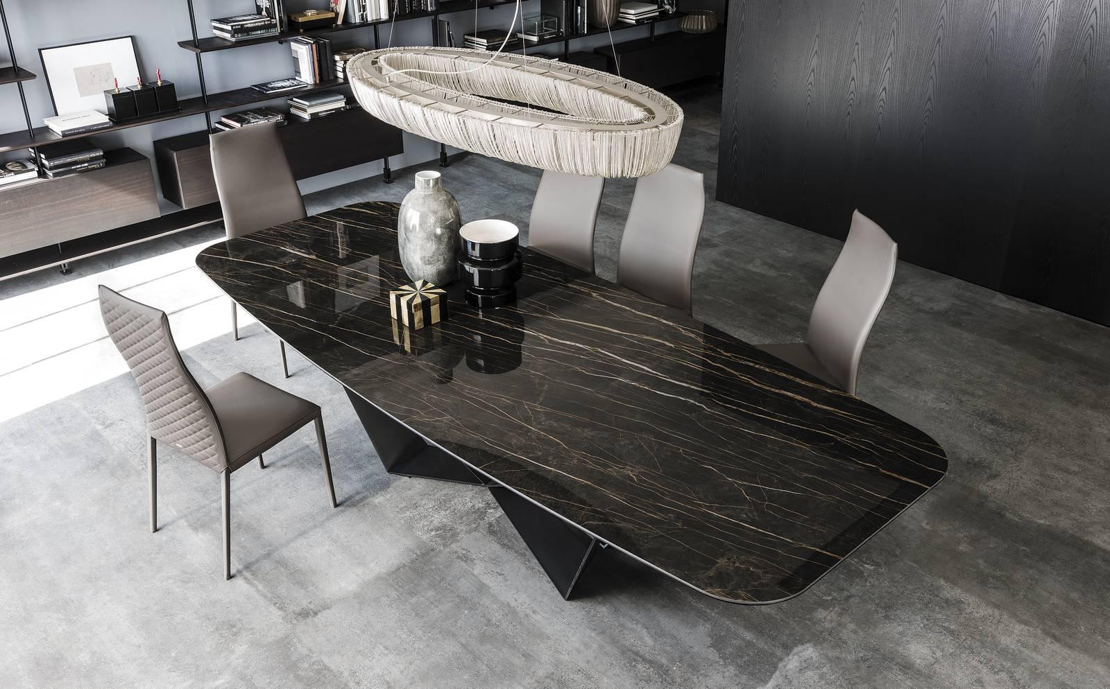 I nuovi tavoli con finiture sempre un po 39 speciali dal for Tavolo marmo design