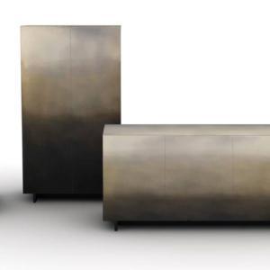"""Marea di De Castelli, design Zanellato/Bortotto, è la madia in metallo resa unica dalla superficie ossidata sovrapposta applicata a ottone, rame e ferro che crea un effetto """"acquerellato"""", scenografico e suggestivo.  www.decastelli.it"""