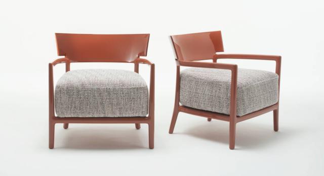 Cara di Kartell, design Philippe Starck, è la poltrona con una linea essenziale che la rende leggera. É solida e resistente, inoltre è  resa molto comfortevole dal cuscino imbottito e dallo schienale basso e sagomato. www.kartell.com