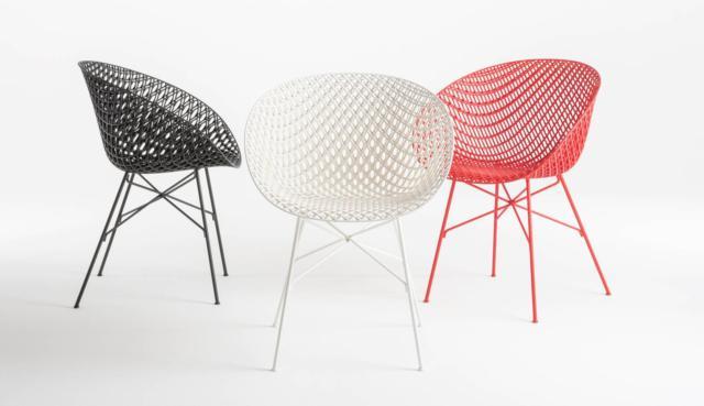 Matrix di Kartell, design Tokujin Yoshioka, è la sedia caratterizzata dall'innovativa struttura tridimensionale che le dona leggerezza, ma garantisce un risultato scenografico. É realizzata con una tecnica di stampaggio a iniezione montata su un'esile struttura metallica. www.kartell.com