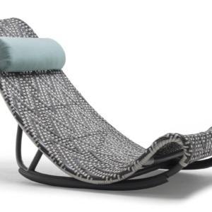 Zoey di Kenneth Cobonpue è la poltrona reclinabile perfetta per rilassarsi in soggiorno o in giardino; ha un design insolito sottolineato dal grande schienale intrecciato. www.kennethcobonpue.com