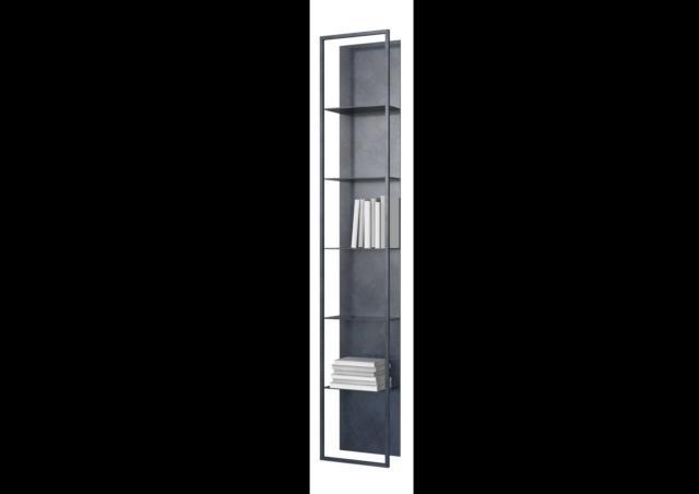 Gap di Porro, design Carlo Tamborini, è la libreria pensile che, appesa a parete, sembra una scultura: il perimetro infatti è percorso da una scia di Led che la rende molto scenografica. La struttura, le mensole e il fondale sono realizzati in metallo. www.porro.com