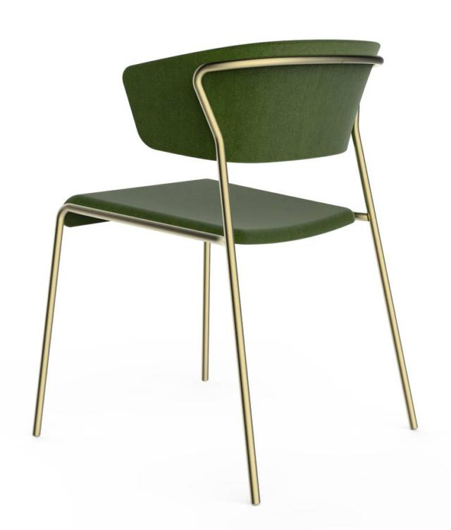 Lisa di Scab Design, design Marcello Ziliani, è la sedia che si ispira al design degli Anni Cinquanta: il telaio sottile è in tubolare nella finitura light gold satinato e sale a sostenere l'ampio e avvolgente schienale. É rivestita in tessuto nella raffinata tonalità verde oliva. www.scabdesign.com